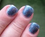 Diskoblå naglar