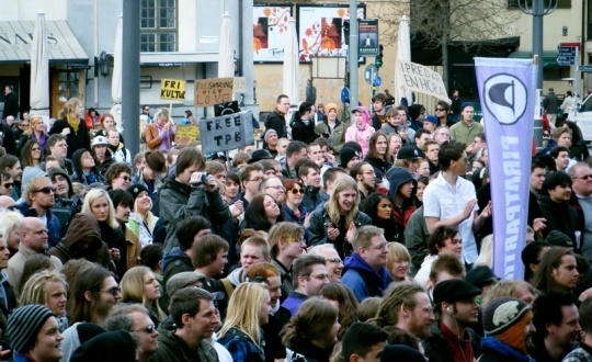 Folkmassa på Medborgarplatsen