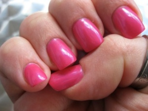 Skrikrosa naglar